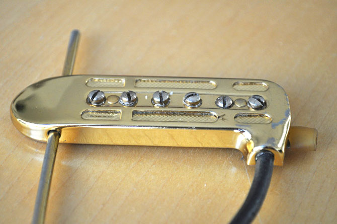 Gold DeArmond 1100 Adjustable Rhythm Chief